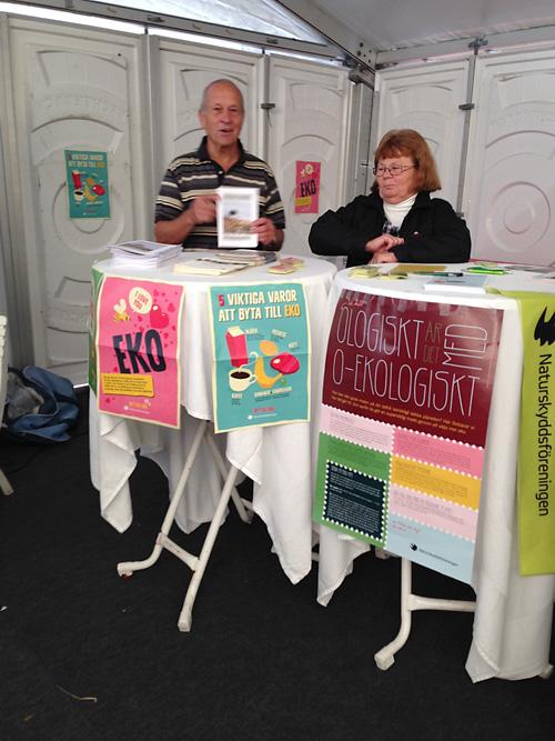 Alf Andersson och Britt-Marie Hansson pratade med besökarna.